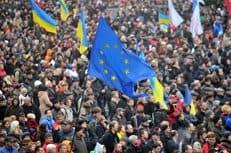 На месте противостояний в Киеве священники молятся о мире
