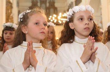 Можно ли православому ходить на семейные праздники к иноверцам?