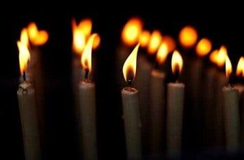 Когда церковная свечка трещит и коптит, это дурной знак?